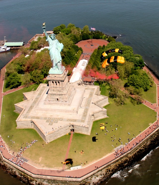 Statue of Liberty Bi-Plane