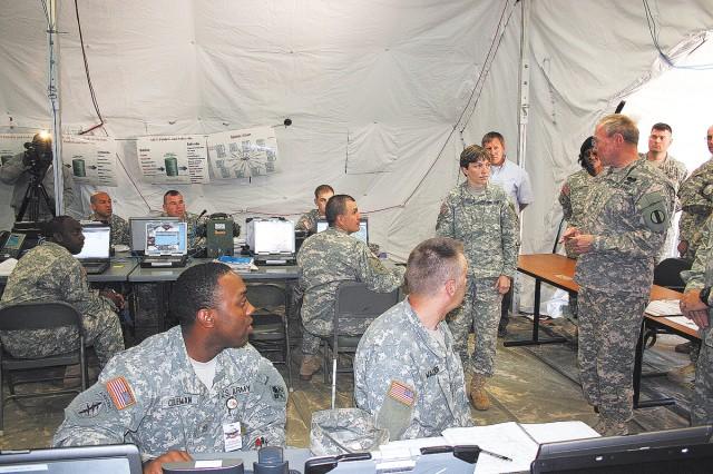 TRADOC CG visits Fort Gordon