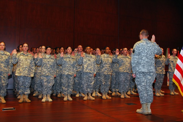 Army Reserve focuses meets new end strength