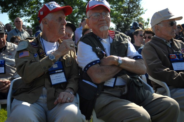 Servicemembers join D-Day veterans, French citizens to commemorate sacrifice of World War II troops