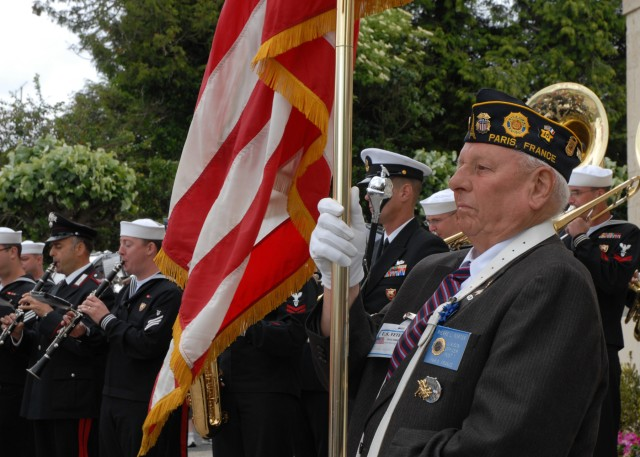 First French town liberated on D-Day shows its appreciation to Normandy veterans