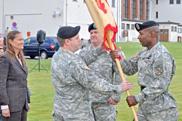 Wiesbaden garrison welcomes new commander