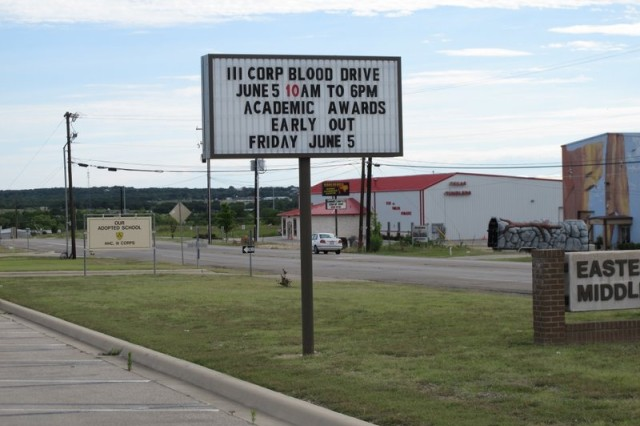 Sign at Eastern Hills Middle School announcing support for the III Corps Phantom Command blood drive.