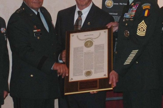 MacArthur Award presented to NCO Corps