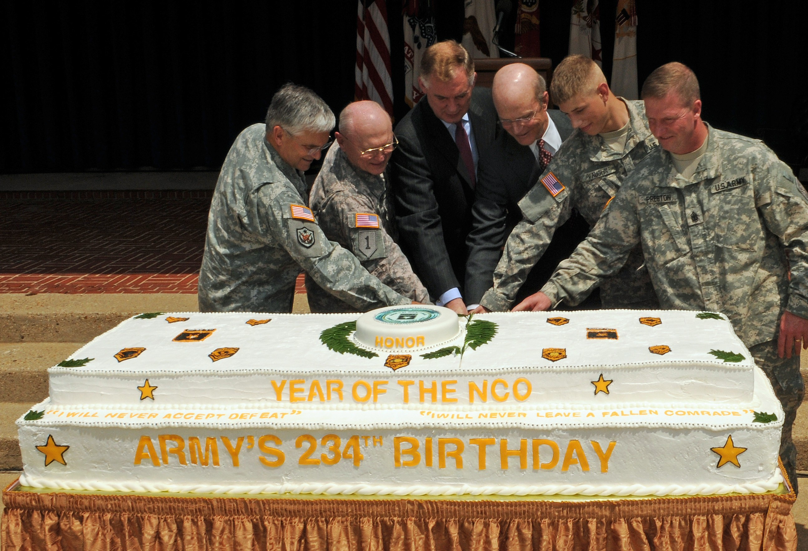 Army Celebrates 234th Birthday At Pentagon Article The United