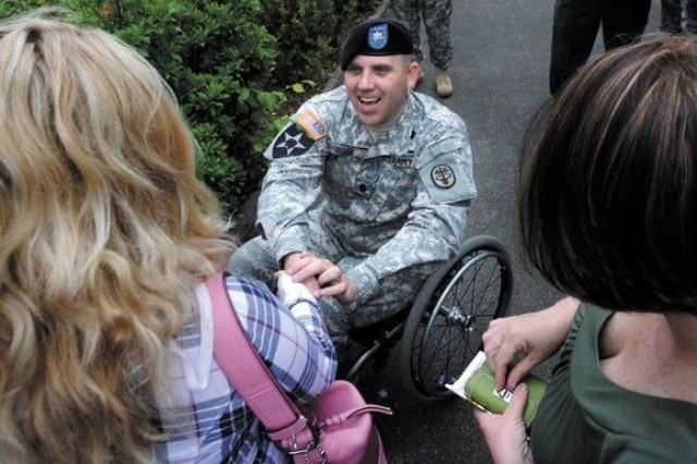 LTC Dudek meeting with family members