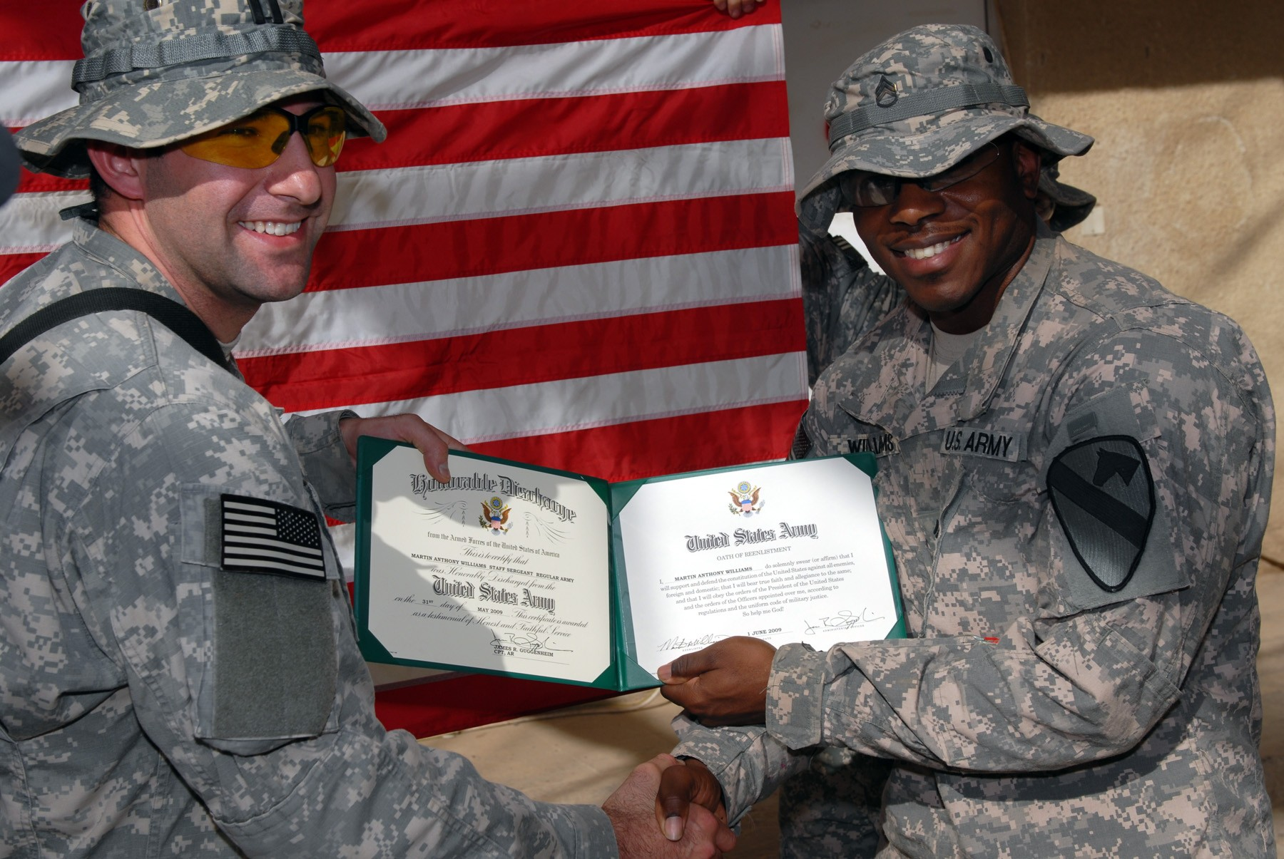 http://www.army.mil/-images/2009/06/20/42101/army.mil-42101-2009-06-20-140654.jpg