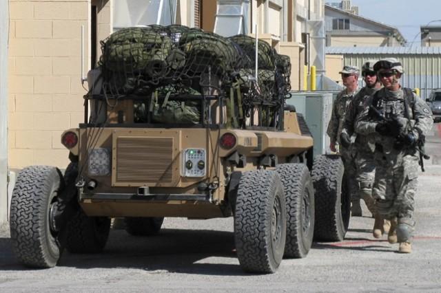 Soldiers test MULE