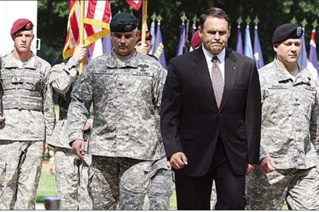Fort Bragg garrison receives new leader