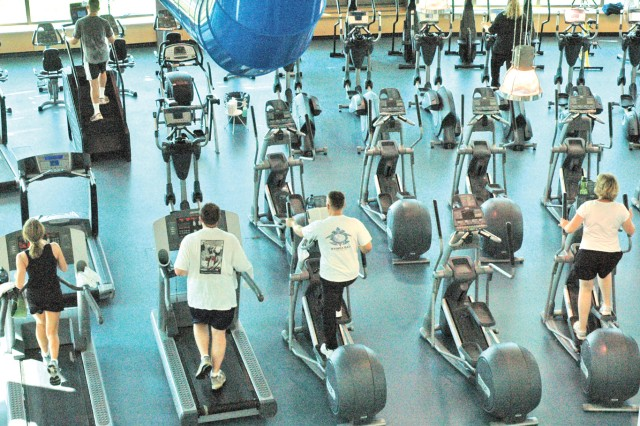 A German-American energy conservation effort is aimed at finding ways to save resources at the Wiesbaden Fitness Center.