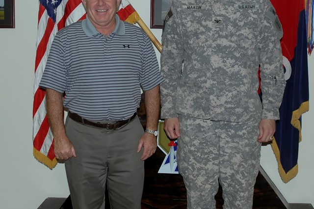 Former USFK commander visits Dagger Brigade