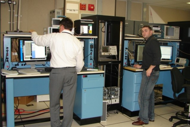 Labs set on 'cognitive radio' technology for Warfighter support