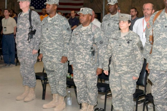 Fiscus takes reins of the 1st Bn, 402nd AFSB