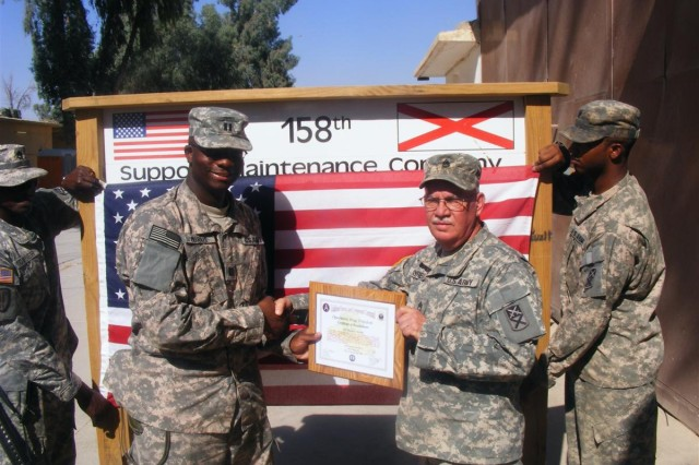 Vietnam veteran re-enlists in Iraq