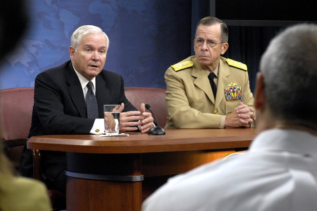 Gates Calls for Temporary Increase of 22,000 Soldiers