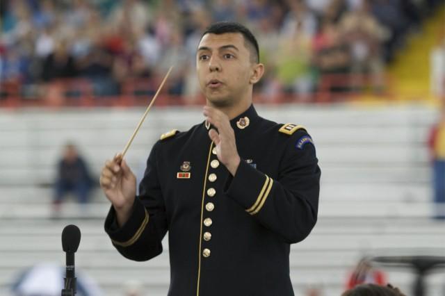 Capt. Leonel Pena, conductor of the Soldiers' Chorus.
