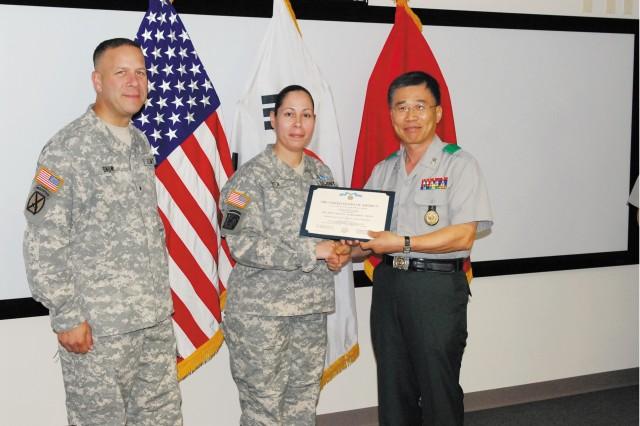 ROK commander recognizes NCO