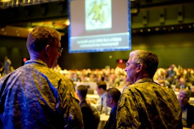 Chief of Staff of the Army Gen. George W. Casey Jr., and Army Surgeon General, Lt. Gen. Eric Schoomaker, talk at the 2009 Association of the
