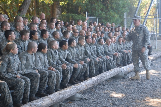 Lt. Gen. Freakley speaks to ROTC cadets