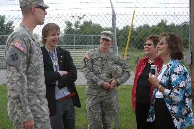 Dutch teen visits WWII graves, Fort Knox