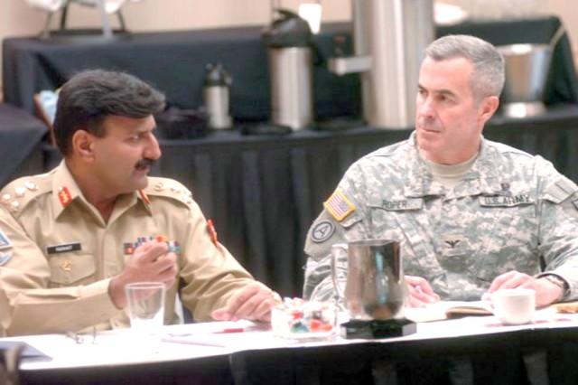 U.S., Pakistani military develop counter-insurgency plans