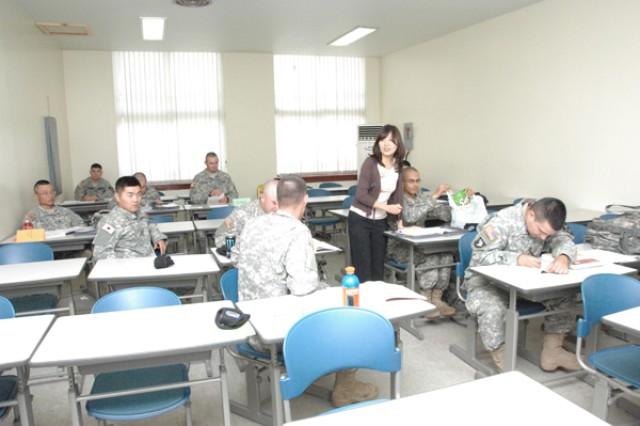 Soldiers learn to speak Korean on Casey
