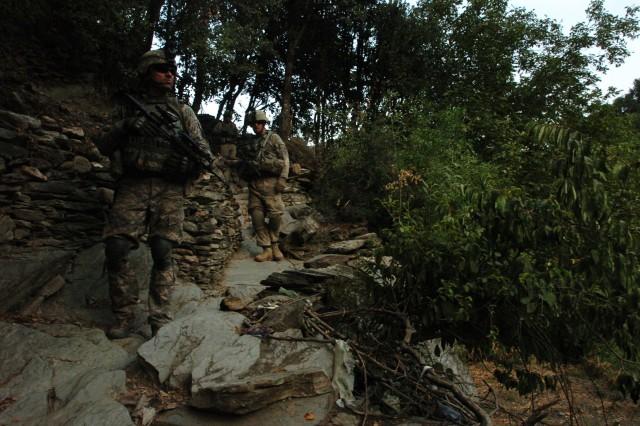 Soldiers patrol volatile Korengal valley