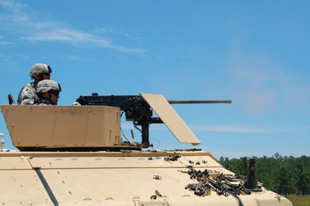 3rd Battalion Soldiers serve up weapons training