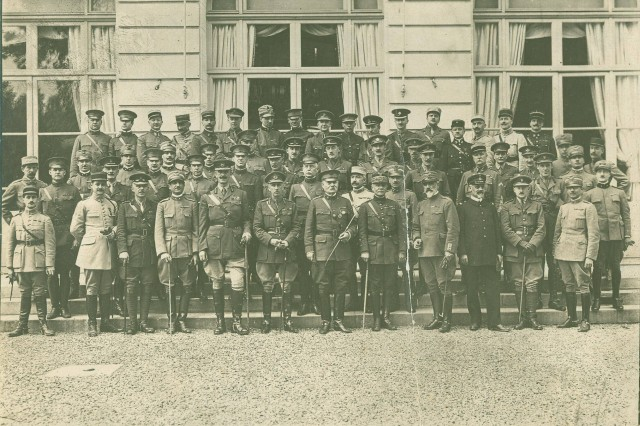 Photographique de L'Armee : Section Photographique de L'Armee (French Army Photograph Section), Staff of All Sections of the Supreme War Council with General Tasker H. Bliss in the Center, Bottom Row, ca. 1918. (Tasker H. Bliss Collection)