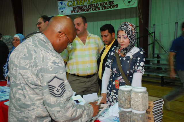 Joint Contracting Command Holds Job fair for Iraqi business