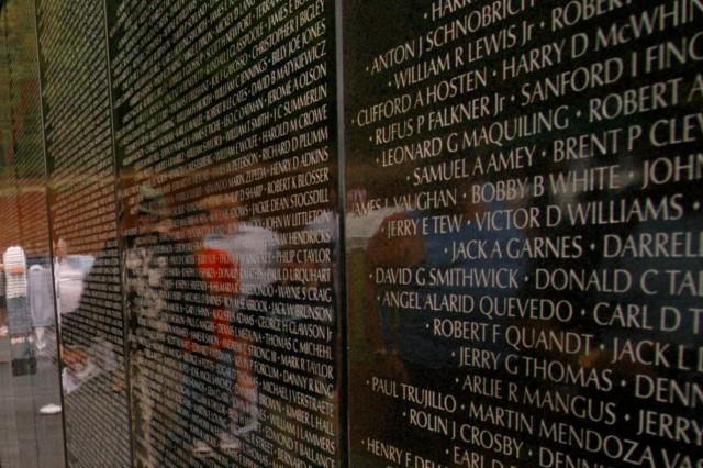 Memorial calls for photos of Vietnam vets