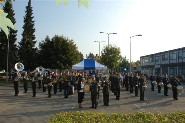 A Royal Dutch Army command performance!