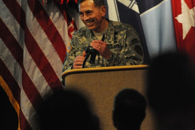 """Gen. David Petraeus walked nearly 2,000 Soldiers Tuesday through """"the big picture,"""" in respect to counterinsurgency at the Infantry Warfighting Conference."""