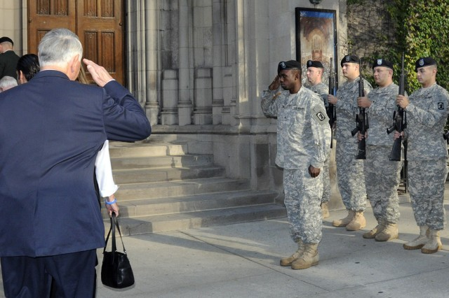 Medal of Honor recipients enter the Fourth Presbyterian Church in Chicago, Illinois on Sept 18, 2009. The Illinois National Guard, 933rd Military Police Company, Waukegan, Illinois, posted outside as the recipients entered the church for a service in memory of recipients who have passed since last year's convention.