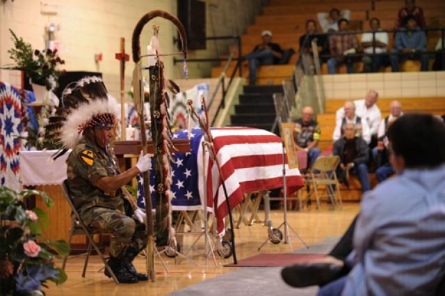 Korean War vet gets native-American honors