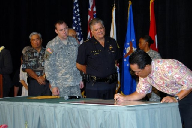Oahu signed a Community Covenant on September 26, 2009 signifying support for Soldiers and Families.
