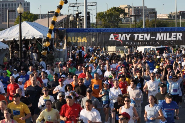 Benning Soldiers compete in Army Ten-Miler