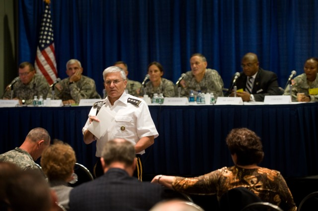 Chief of Staff of the Army, Gen. George W. Casey Jr., kicks off a panel discussion on the Army's new Comprehensive Solider Fitness program at the 2009 Association of the U.S. Army Annual Meeting in Washington, D.C., Oct. 5, 2009.