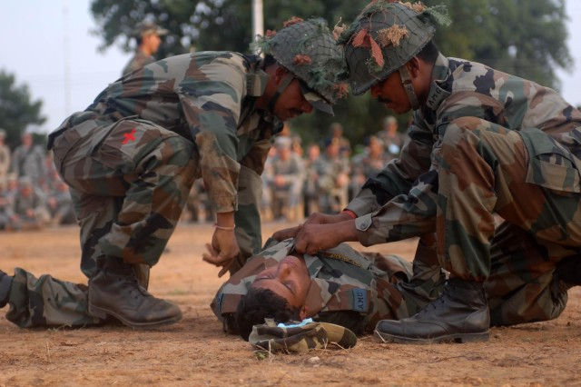 Indian and U.S. Soldiers find similarity in the classroom