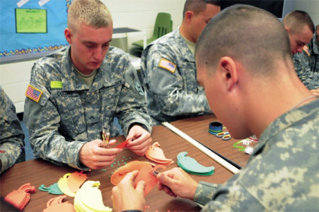 AIT Soldiers demonstrate selflessness, teamwork with volunteer service