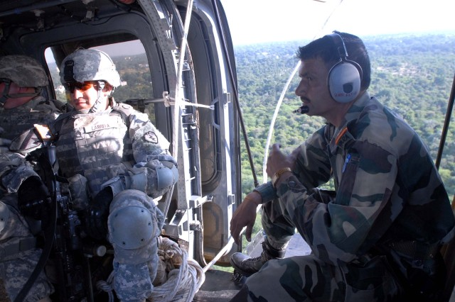 Hawaii-based Soldiers train with Indian army aviators at YA 09