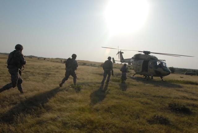 Hawaii-based Soldiers train with Indian army aviators at YA 09