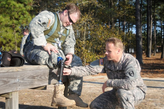 SF Soldier becomes the first amputee to become a jumpmaster.