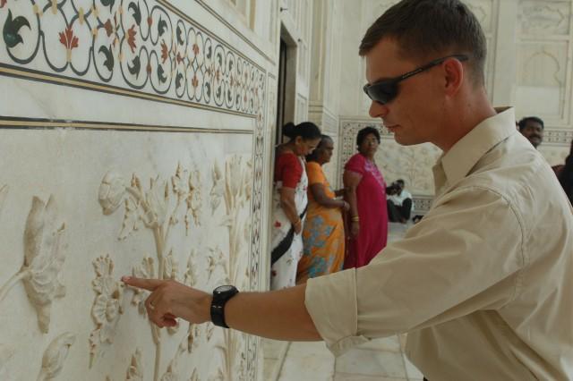 Strykehorse Battalion visits Taj Mahal