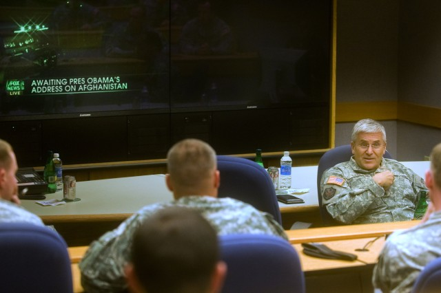 Chief of Staff of the Army Gen. George W. Casey Jr. talks with Military Intelligence Captain's Career Course as they wait for the President's Afghanistan announcement at Fort Huachuca, Ariz., Dec. 1, 2009.