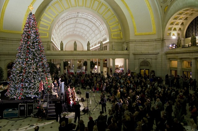 Gen. George W. Casey Jr., Chief of Staff of the Army, reads the World War II Christmas letter from Gen. Anthony McAuliffe to his troops during the 13th annual Norwegian Tree Lighting Ceremony in Union Station, Washington D.C., Dec. 3. The tree is a gift from Norway and a symbol of the friendship between the United States and Norway. This year's theme honors the Norwegian and Americans of the 99th Infantry Battalion who fought at the Battle of the Bulge and freed 52 Americans at Malmedy.