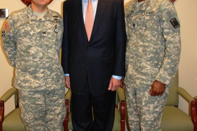 Texas lieutenant governor visits 470th MI Brigade and U.S. Army South