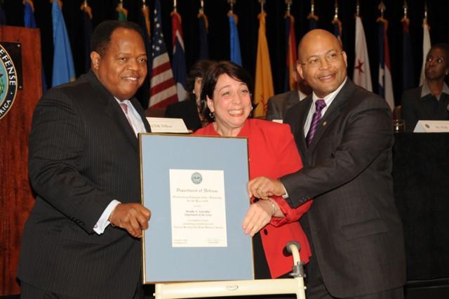 FORSCOM Accountant receives Army-level award