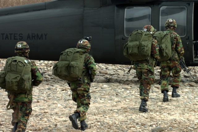 U.S. and ROK forces conduct combined training exercise