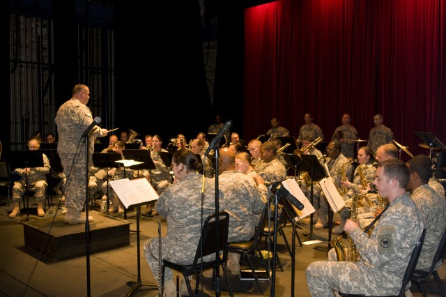 """Wildcat"" Army Reserve band gives Newberry community holiday cheer during recent concert"